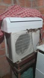 Vende-se um ar-condicionado ou troca por um celular