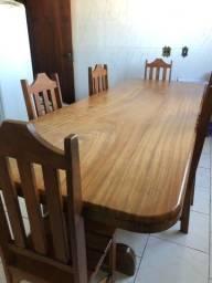 Mesa de madeira cerejeira