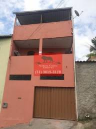 Título do anúncio:  Casa com 3 quartos em 150m² à venda no bairro Letícia em BH