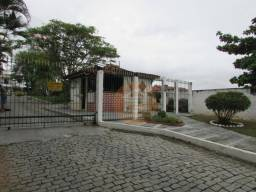 Apartamento no Vila Três - 02 Quartos - Varanda - Garagem - São Gonçalo - RJ.