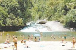 Lumiar/Casa de Campo c/ Riacho encachoeirado e piscina natural