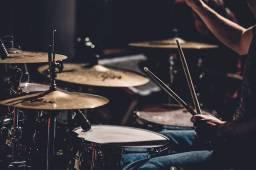 Procurando baterista para banda.