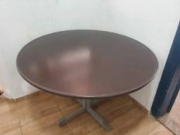 Mesa de reunião 110x110cm + 4 cadeiras fixas <br>