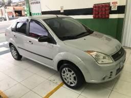 Fiesta Sedan 1.0 8V Flex 4 portas Completo (- Ar Condicionado) Aceito Troca - 2009