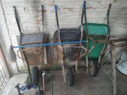 Vendo 3 carrinhos de obra e dois andaimes