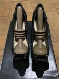 Sapatos de salto social