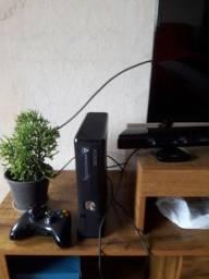 Xbox 360 desbloqueado com kinect um controle hd de 500 e 20 jogos no hd