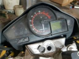 Honda  cb 300 pra retirada de peças