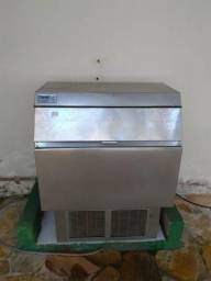 Maquina de gelo everest mod. egc 150 220v