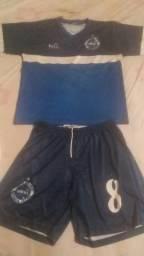 Vendo uniforme 18 camisas e 16 shorts