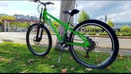Bicicleta Aro 26 status Freerider C/ Susp. Freio a Disco