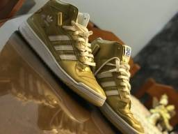 Vendo tênis cano alto adidas edição especial dourado