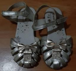 Sandália dourada Tam 25