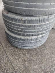 Título do anúncio: Vendo 2 pneus. 350 os 2