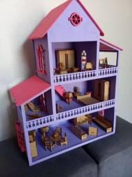 Casinha Polly e LOL pintada + 35 mini móveis