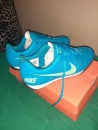 Chuteira Nike futsal, tamanho 39
