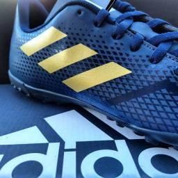 Chuteira Adidas artilheira IV Society