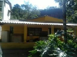 Sítio em terreno de 17.880m2 com uma casa sede em Várzea das Moças