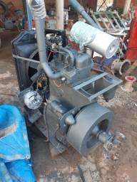 Motor estacionário mwm 2 cilindro 22 HP kd12 só pegar e trabalhar