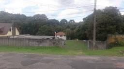 Amplo terreno com 2 casas