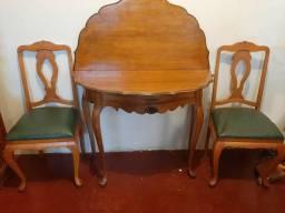 Mesa de canto redonda antiga