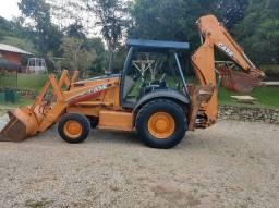 Retro Case 580M 4x2 2012 5.300h - Parcelo