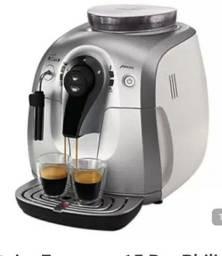 Máquina de café Expresso Phillips Saeco Xsmall HD8745 preta e cinza