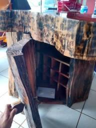 Mesa/Adega de angico, trabalho em resina