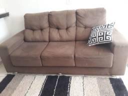Vendo um sofá retratil de três lugares de suedy