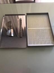 Máquina de encapsular manual- aço inox, 504 cápsulas por remessa