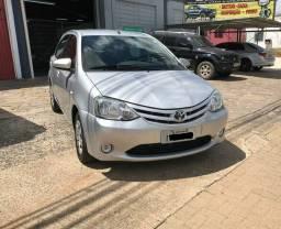 Lindo Toyota etios ano 2014