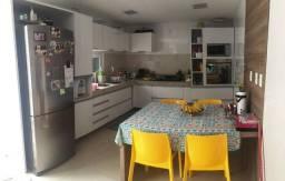 D613 Excelente Casa de ALTO padão em Condominio Fechado