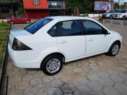 Fiesta sedan 1.0 SE completinho carro extra - 2014