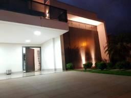 Casa á venda com quatro suítes, 373m², na 303 sul, você pode desfrutar disso!