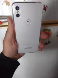 Moto one troco por iphone 6 plus