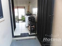 Casa à venda, 3 quartos, 1 suíte, 2 vagas, Cidade Jardim - Uberlândia/MG