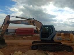 Escavadeira Hidraulica E215b New Holland