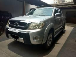 Toyota Hilux 4x4 manual