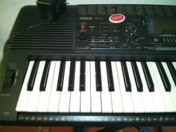 Piano Teclado Yamaha PSR-520
