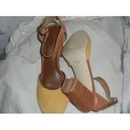 Sapato feminino Constance Tamanho 36 Bico redondo salto médio grosso semi-novo