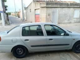 Clio 2002 $7,500