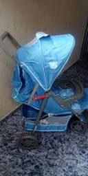 Vendo lindo carrinho de bebe da voyage