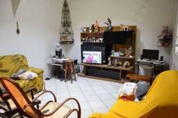 Casa com 2 quartos bem localizada rua asfaltada na quinta etapa de rio doce