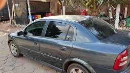 Astra 2009 com um debit carro top e anda muito todo durinho não bate nada