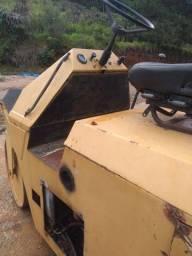 Mini rolo compactador