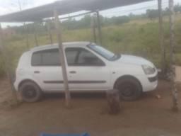 Vendo ou troco Renault Clio, valor negociável