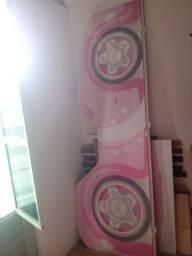 Título do anúncio: Cama solteiro de criança do formato de carrinho Branco com rosa
