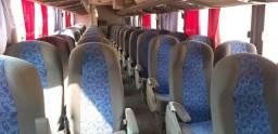 Vendo ônibus rodoviário *