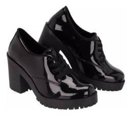 Sapato feminino verniz R$60,00