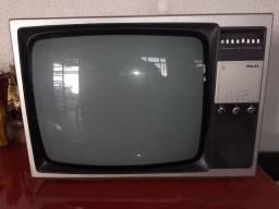 TV Philips antiga